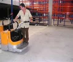 Curso e treinamento para operador de Paleteira Elétrica